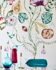2-wallpaper-panel-floral-purple-emerald-detail-table-quintessence-zapara-harlequin-style-library
