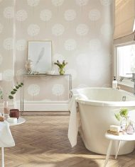 1-wallpaper-pink-neutral-floral-bathroom-111885-amity-paloma-harlequin-style-library